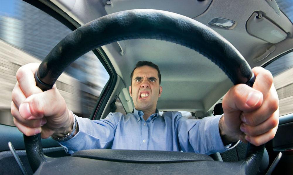 Los peligros de conducir enojados